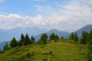 pictures of Cheneil hiking trail and mountains