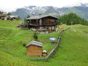 pictures of Cheneil Lodging in the mountain