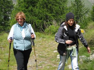 pictures of Cheneil Yogagaia and hiking
