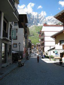 Pictures of Cheneil - Quaint town