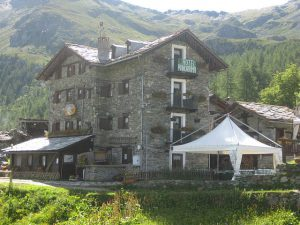 pictures of Cheneil hotel